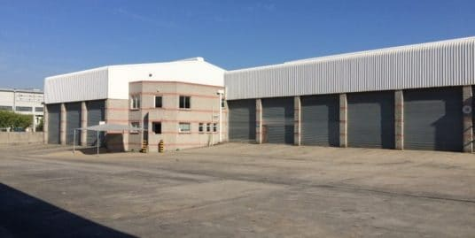 Truck Workshop to rent Airport Industria 10