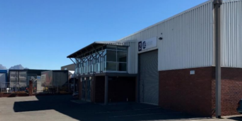 Warehouse to let in Airport industria 2