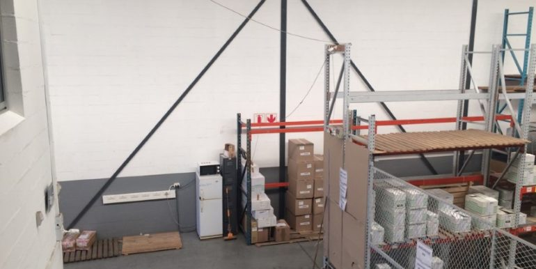 Warehouse to let in Airport industria 4